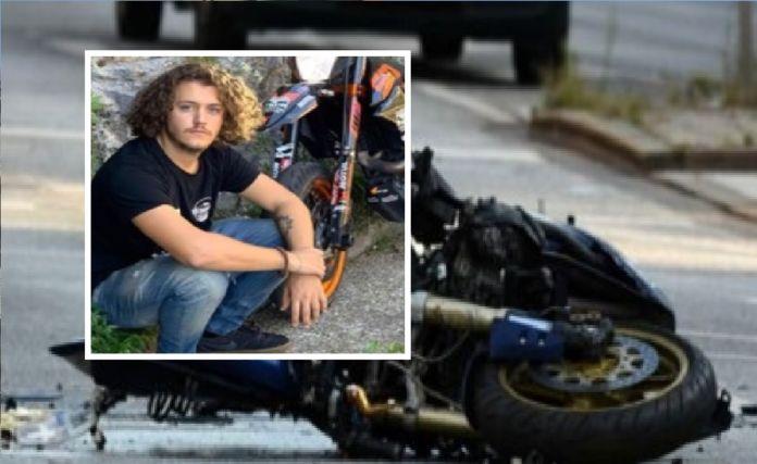 Muore a 20 anni giovane in un incidente stradale