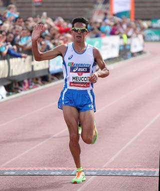 Un grande Daniele Meucci avvicina il record personale nella maratona di Francoforte