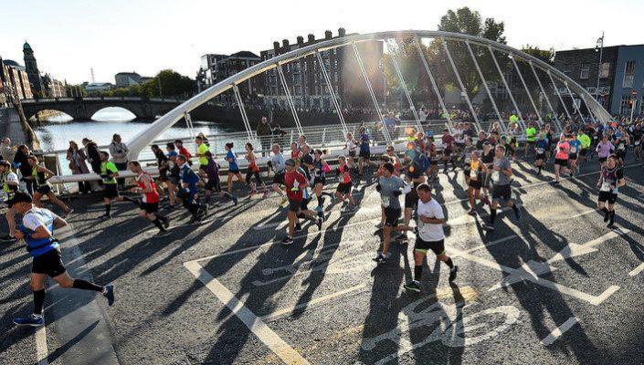 Runner con sospetto infarto salvato da una guardia durante la maratona di Dublino