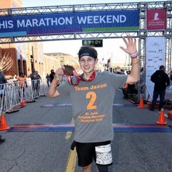 Sopravvissuto ad un cancro al cervello, correrà la maratona