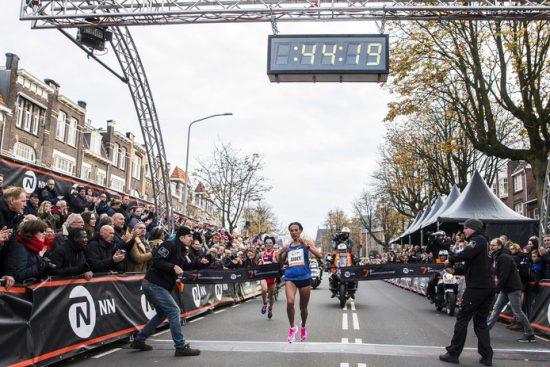 Incredibile Record del mondo sui 15km di Letesenbet Gidey