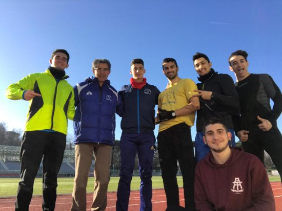 Dario Pasi ed alcuni suoi atleti