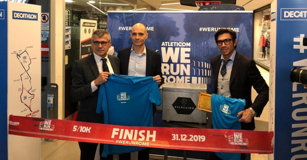 L'Assessore Frongia e l'arbitro Calvarese presentano la nuova maglia dell'Atleticom We Run Rome