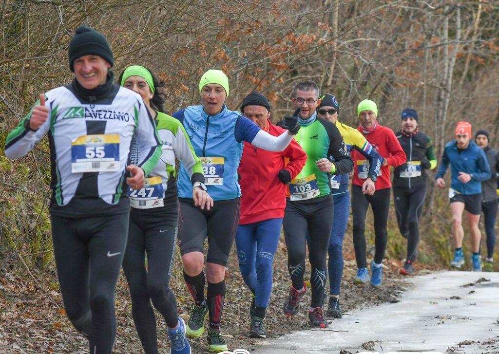 Il freddo non ha scalfito il successo del Cross Trail della Befana nel segno di Simone Sabatini e Lucia D'Ignazio