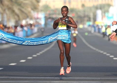 Soloman Deksisa e Worknesh Degefa confermati nella line-up - della maratona di Dubai
