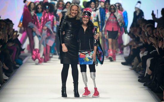 Giusy Versace in passerella a Berlino per lanciare un forte ...