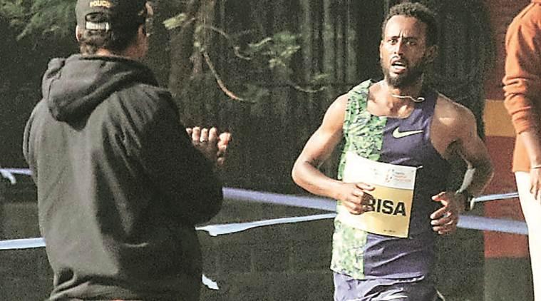 Record della corsa battuto dall' etiope Hurisa nella  17a Maratona di Mumbai