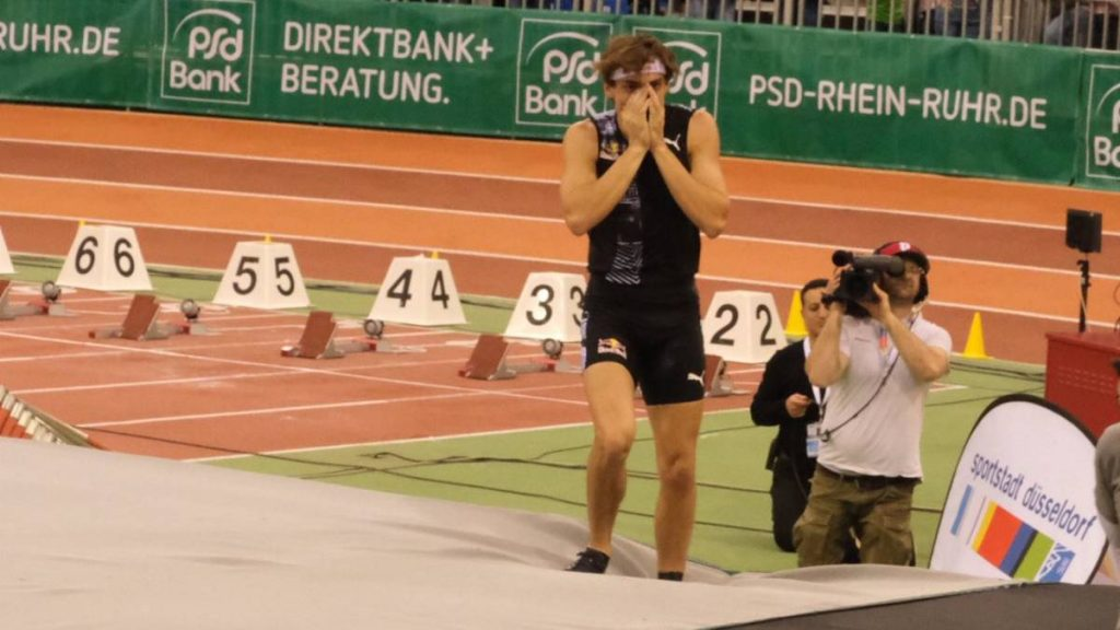 Risultati Düsseldorf: Armand Duplantis vola a 6.00 metri nell'asta