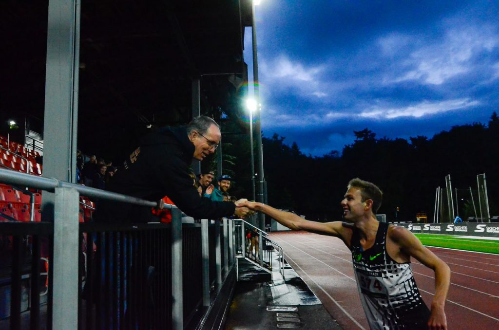 Galen Rupp torna dopo un infortunio e vince la mezza maratona di Sprouts Mesa