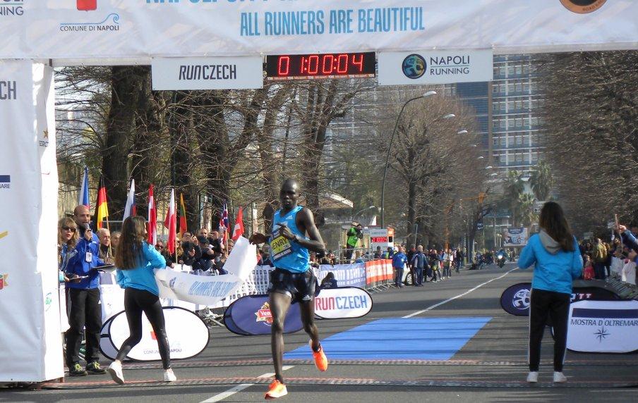 Napoli City Half Marathon: brillano i kenioti Henry Rono e Viola Cheptoo