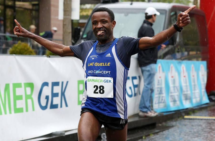 L'etiope Mitku Seboka vince la mezza maratona di Francoforte