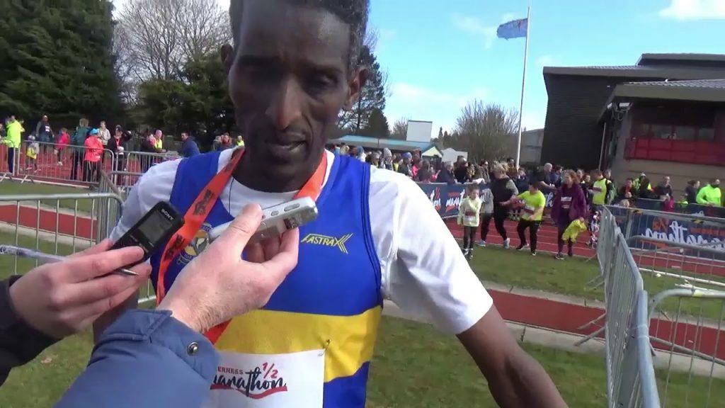 Il video della vittoria di Weynay Ghebresilasie alla mezza maratona in Scozia