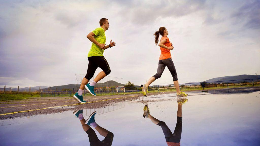 Coronavirus: è ufficiale, si può fare attività sportiva all'aperto a distanza di almeno un metro