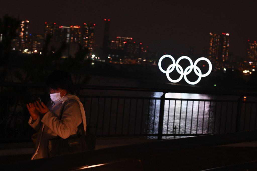 """Dubbi sulle Olimpiadi Tokyo 2021: virologo giapponese """"molto pessimista"""" sulla reale possibilità che si possano organizzare il prossimo anno"""