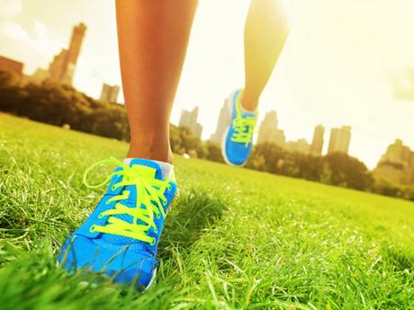 Coronavirus: crollo delle vendite di scarpe da atletica, questi i prodotti più acquistati online
