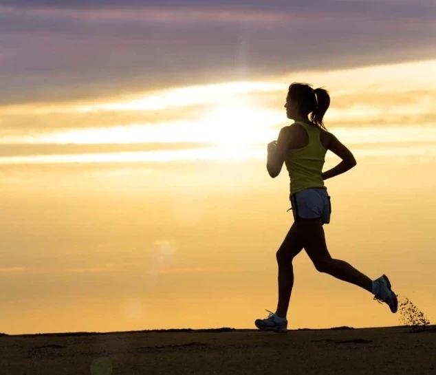 Dottoressa runner multata mentre correva dopo un turno di 12 ore in Ospedale