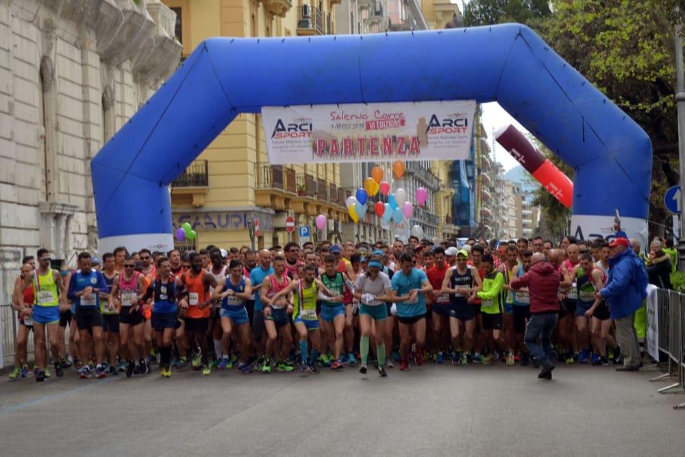 """""""Half Marathon Salerno Corre""""  Vince la distanza """"Solidarietà"""""""