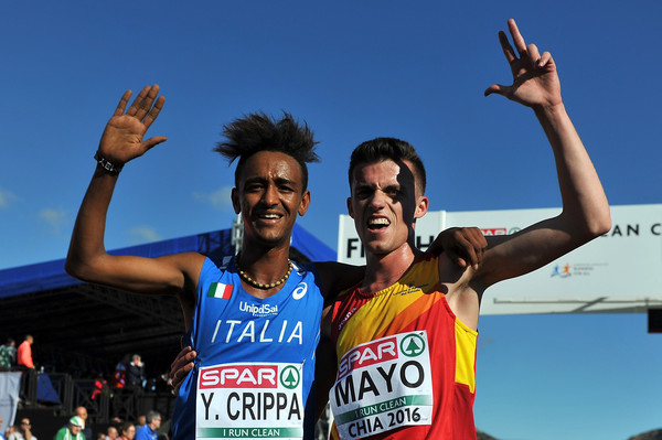 Atleti spagnoli rimproverati dai cittadini nel giorno della loro ripresa degli allenamenti
