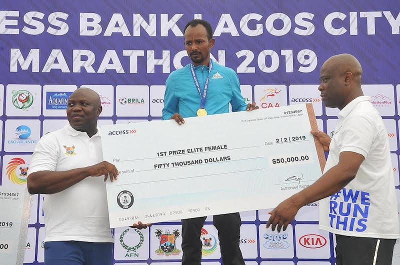 Maratoneti  litigano per non aver ricevuto i premi in denaro a causa del coronavirus