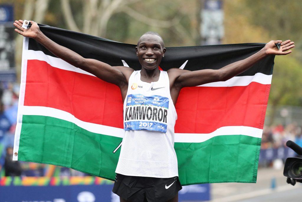 Investito il primatista mondiale della mezza maratona Kamworor mentre si allenava in strada