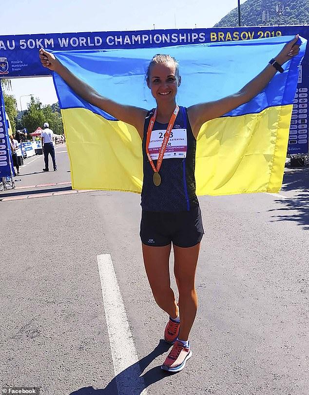 """L' ultramaratoneta """"Iron Lady"""" muore a 33 anni dopo un collasso in gara"""