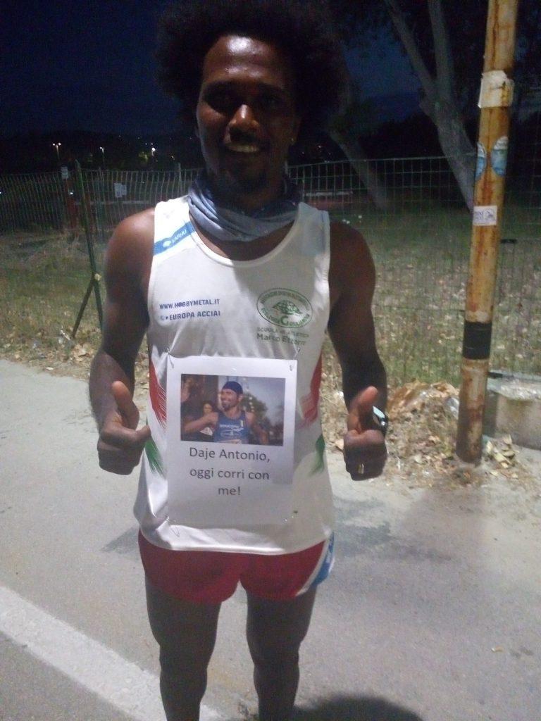 Biniyam Senibeta Adugna riparte dalla sua Tortoreto Lido per omaggiare la notturna Di Corsa Sotto le Stelle e Antonio Bucci