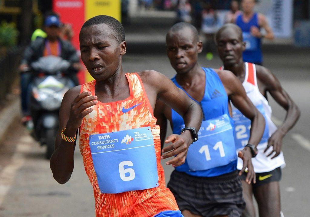 Doping: squalificato un pacemaker della maratona sub-due ore di Kipchoge per 2 anni