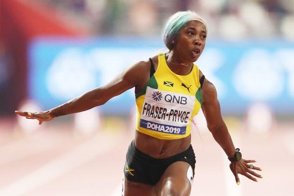Shelly-Ann Fraser-Pryce torna in azione nei 100 m con la miglior prestazione mondiale