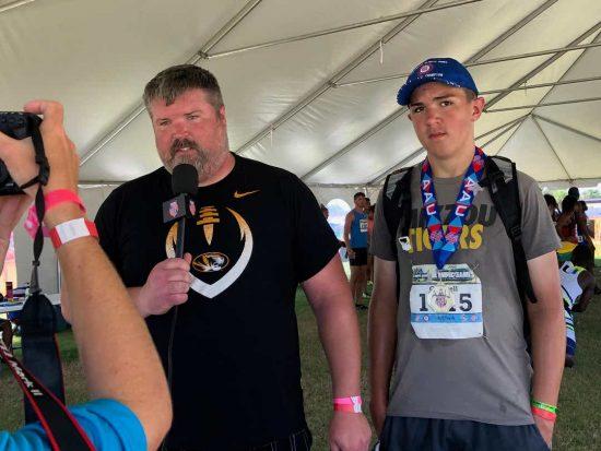 Il figlio dell'ex olimpionico del peso Cantwell, a 12 anni lancia a 17,26- record americano di età
