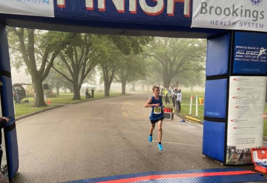 Un 13enne corre una mezza maratona in 1:16:11, miglior crono mondiale di sempre di categoria