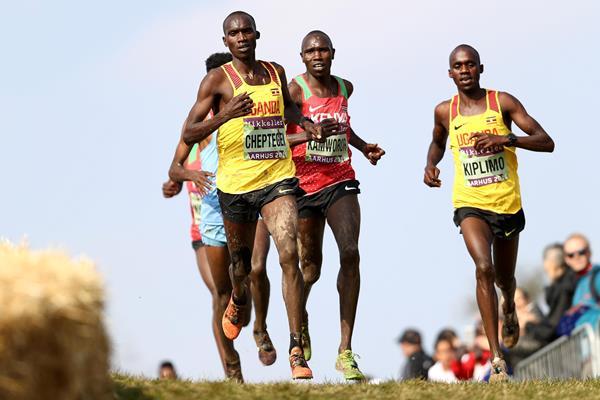 Cheptegei e Kiplimo guidano la squadra ugandese per i campionati mondiali di mezza maratona di Gdynia 2020