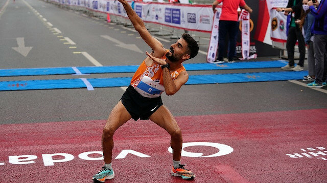 Gli atleti turchi dominano la Mezza Maratona di Istanbul