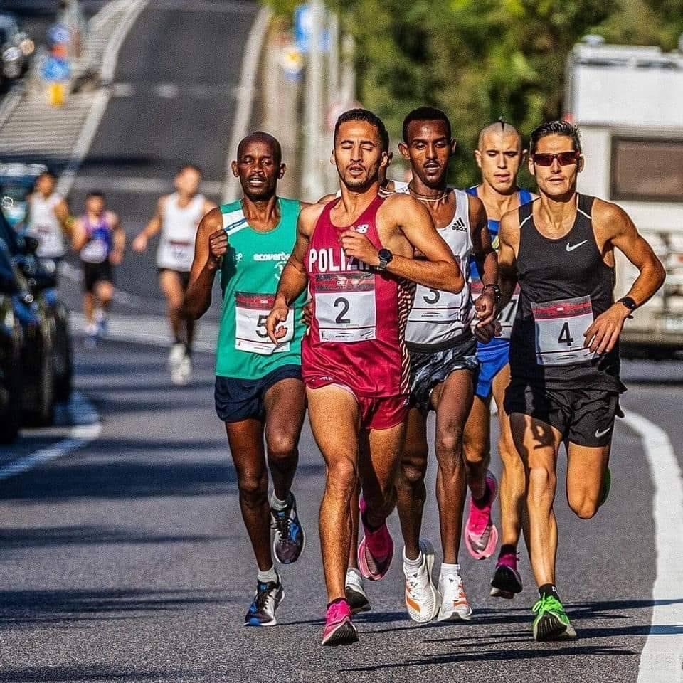 """PODISMO """"Corsa dei Castelli""""  Vittoria per l'etiope Hagos Gebrhiwet"""