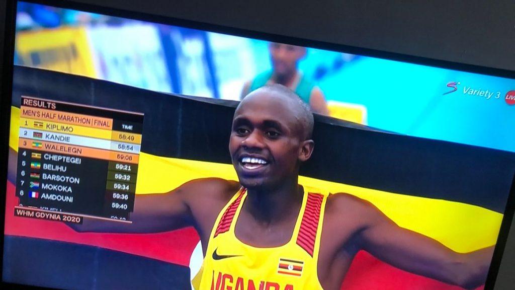 A 19 anni Jacob Kiplimo vince l'oro nella mezza maratona ai mondiali, record italiano sfiorato da Eyob Faniel