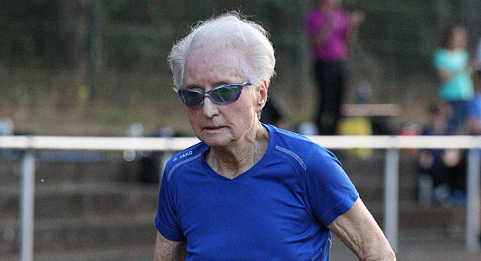 Master: a 90 anni corre in 5:01:35 gli 800 metri e stabilisce il record mondiale W90