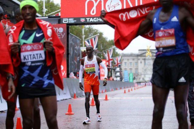 Quanti soldi ha preso Kitata per vincere la maratona di Londra?