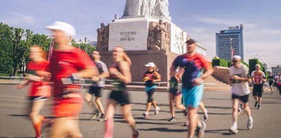 Polemiche per la Maratona di Riga annullata poche ore prima dell'inizio a causa del covid-19