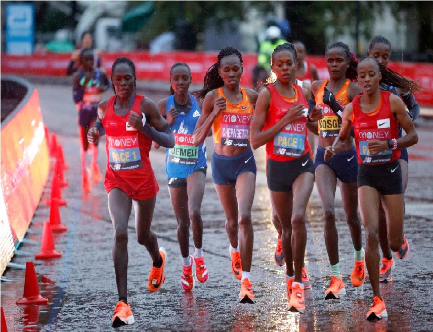 Live London Marathon 2020, partita la gara femminile con pioggia e al buio- Aggiornamenti in tempo reale
