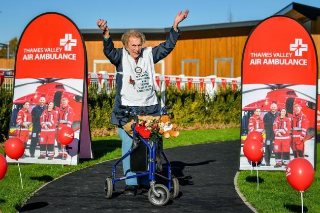 """""""Super nonnina"""" di 104 anni completa una maratona per beneficienza"""