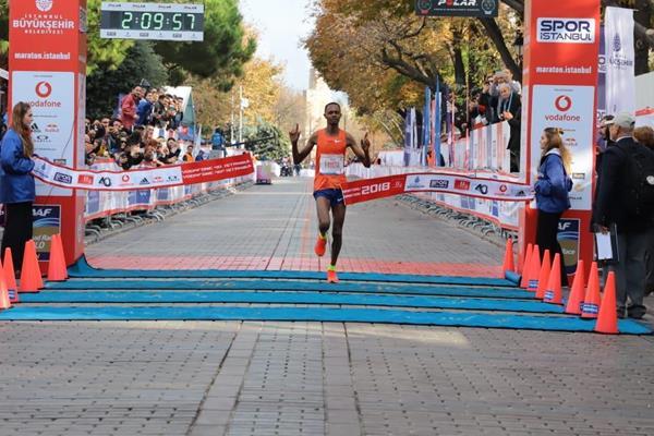 Si corre domenica 8 novembre la Istanbul Marathon, Zewdu e Chemtai i favoriti