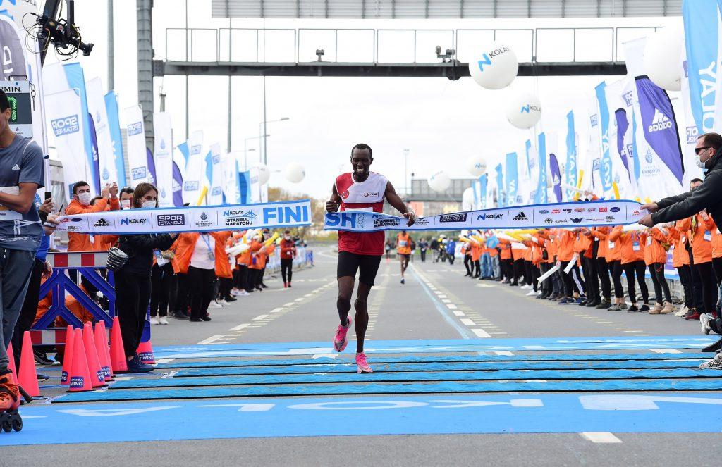 Risultati maratona di Istanbul: doppietta keniota