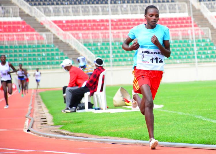 Sfilata di talenti alle selezioni keniane per i Mondiali U 20, impressionante la 14enne Chepkirui nelle qualifiche dei 1500 metri