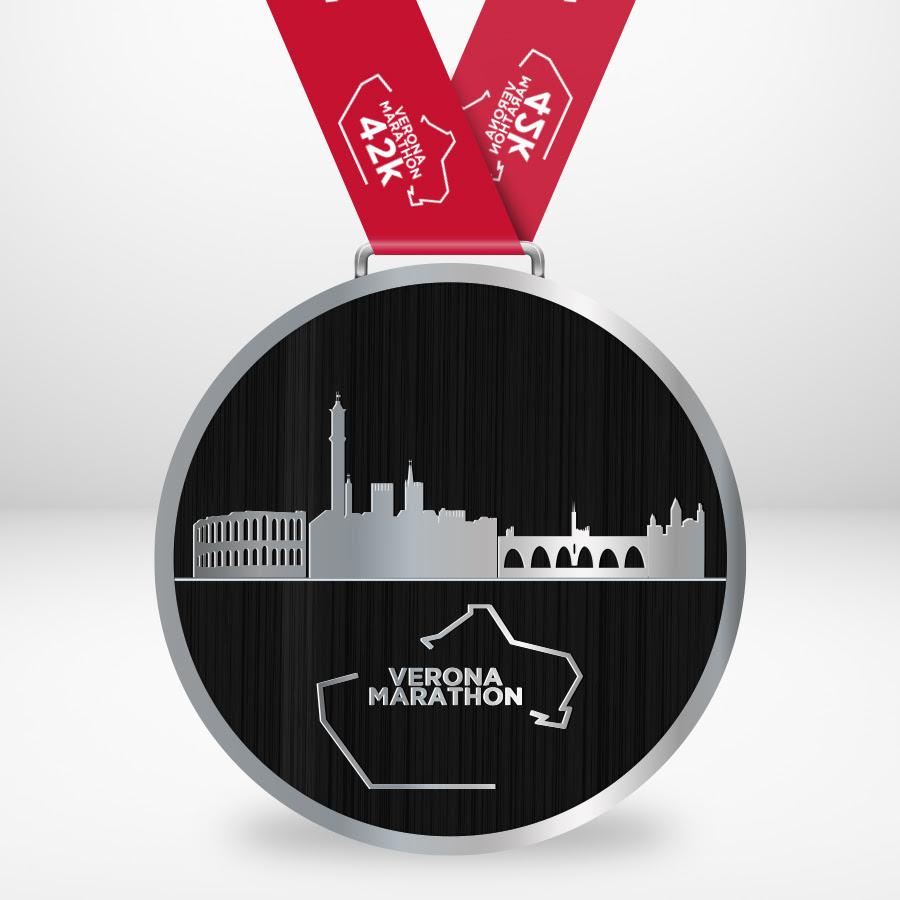 La medaglia della Verona Marathon 2020 che si corre con Runclusive
