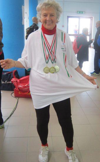 ANCONA 28-2-2016 Camp. IT. INDOOR e LANCI LUNGHI : tre gare tre medaglie ma, siccome sono tante, mi hanno dato un vestito Nazionale invece che una terza maglia .........!