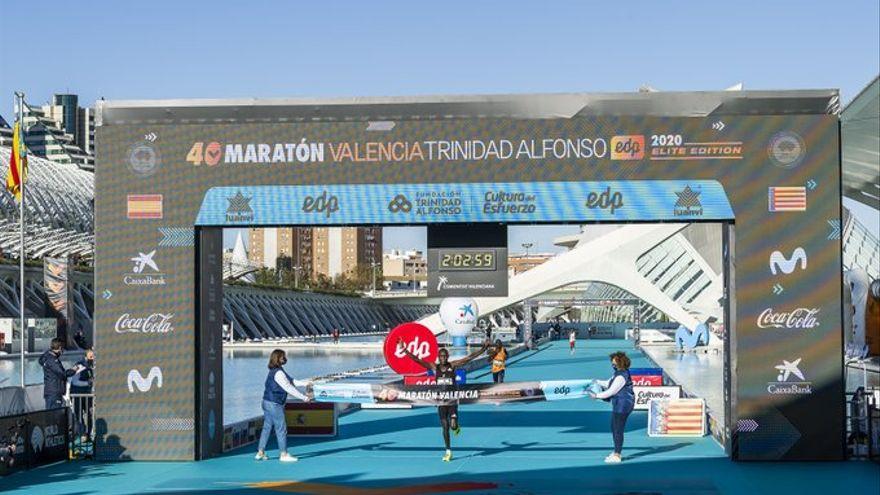 Chebet batte il record della Maratona di Valencia, 2:03:00