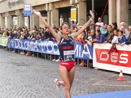 Giovanna Epis firma il PB e vince gli assoluti di Maratona