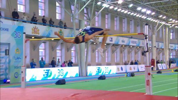 Salto in alto: il russo Akimenko vola a 2,30 m, miglior prestazione mondiale-IL VIDEO