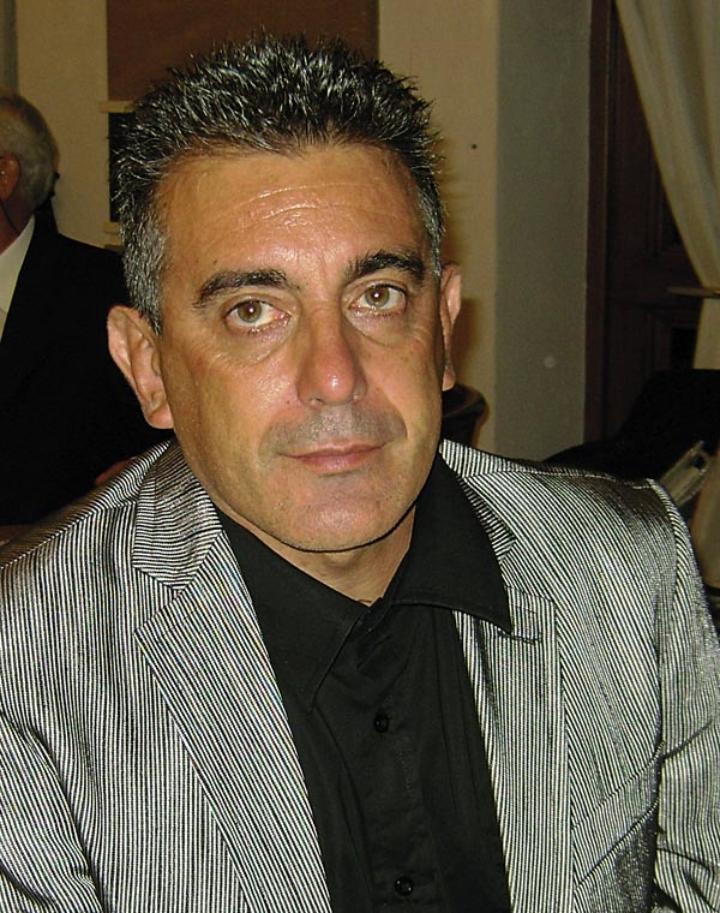 """CARTOLINA – Salvatore Antibo """"Atleta tra i mezzofondisti italiani più forti della storia, nel 1991 provò la mezza maratona con il risultato di 1ora.""""."""