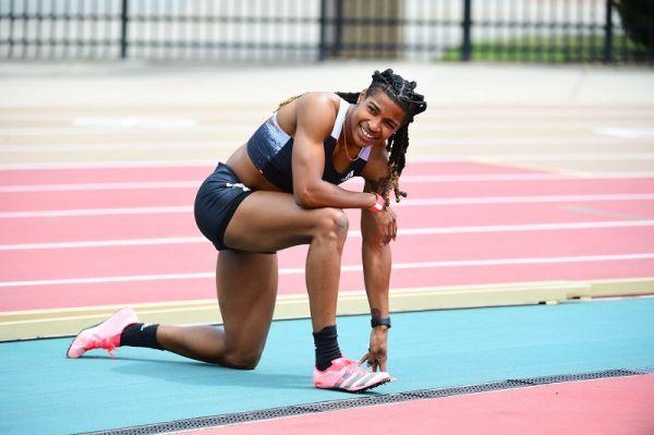 Super 100 metri di Aleia Hobbs sotto gli 11 secondi