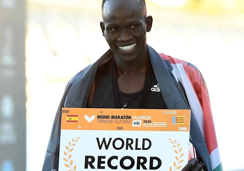 L'allenamento di Kibiwott Kandie primatista mondiale di Mezza Maratona